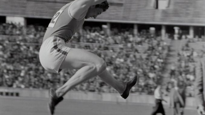 Världsrekord längdhopp genom tiderna